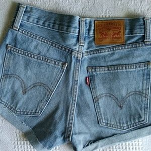 501 Levi's high-waisted cut off shorts
